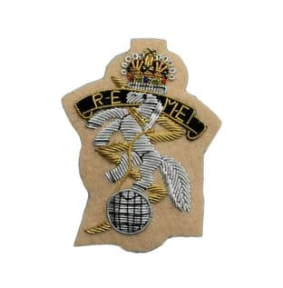 REME Royal Electrical Mechanical Engineers Officers Cap Badge Light Sand